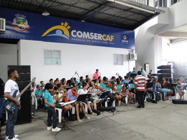 """Orquestra """"Uma Música em Minha Vida"""", de Cabo Frio (Foto: Horácio CF Zone)"""