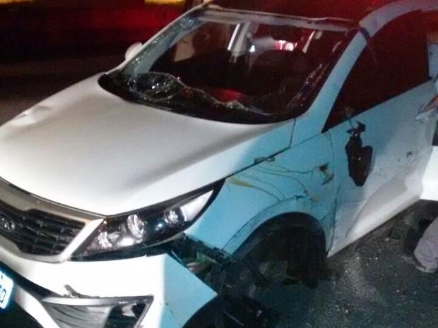 Motorista perdeu o controle do veículo (Foto: G1)