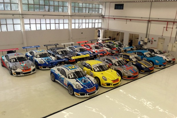 Garagem da GT3 Cup Challenge Brasil (Foto: Alexandre Izo/Autoesporte)