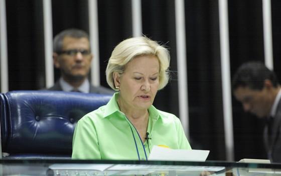Plenário Senado durante sessão não deliberativa em 2014. À mesa, senadora Ana Amélia (PP-RS) (Foto: Pedro França/Agência Senado)