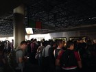 Portas de metrô do DF não fecham e passageiros precisam trocar de vagão