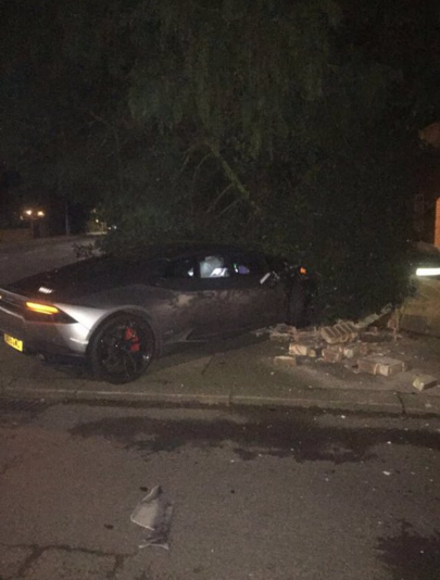 BLOG: Atacante do West Ham bate Lamborghini de mais de R$ 1 milhão em Londres