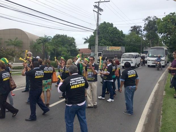 Protesto foi realizado na frente do TJAM (Foto: Diego Toledano/G1 AM)