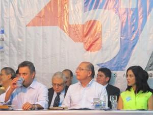Alckmin e Aécio Neves estiveram em Congresso de Municípios na Baixada Santista (Foto: Mariane Rossi/G1)