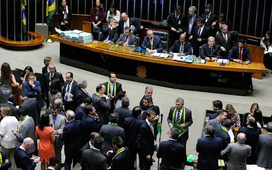 Deputados debatem o impeachment da presidente Dilma nesta sexta-feira (15). Sessão começou às 9h (Foto: Alex Ferreira / Câmara dos Deputados)