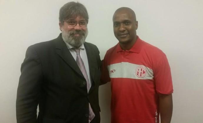 Gilberto é o novo diretor do America-RJ (Foto: Divulgação/America)