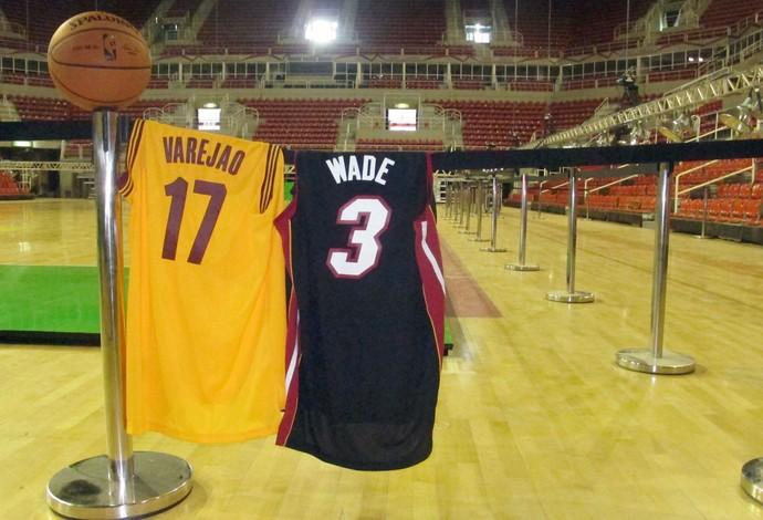 NBA Global Tour - Camisas Varejão e Wade (Foto: Fabio Leme)