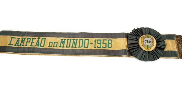 Pelé leilão faixa campeão do mundo