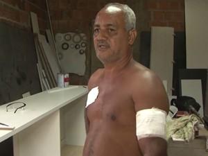 Avô de criança foi atingido por tiro no braço  (Foto: Reprodução/TV Santa Cruz)
