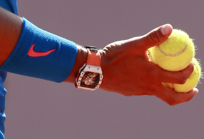 Rafael Nadal relógio em Roland Garros (Foto: Reuters)