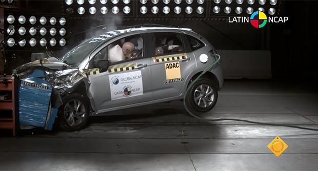 Citroën C3 recebeu quatro estrelas no teste do Latin NCAP (Foto: Reprodução)