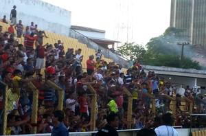 Torcida treino do Flamengo - São Luís (Foto: Bruno Alves)
