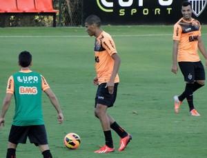 Leonardo Silva treino Atlético-MG (Foto: Léo Simonini)