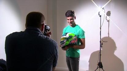 Conheça Matheus Iorio, piloto da Fórmula 3 que também é modelo profissional