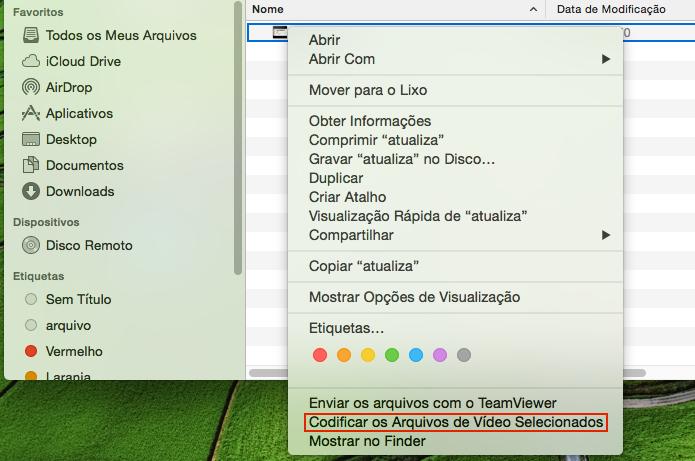 Acessando a opção de conversão no menu de contexto do Finder (Foto: Reprodução/Edivaldo Brito)