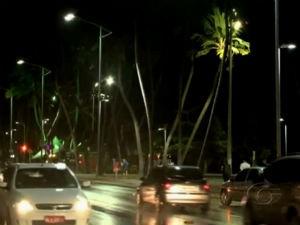 Prefeitura pretende trocar luzes amarelas  (Foto: Reprodução/TV Gazeta)