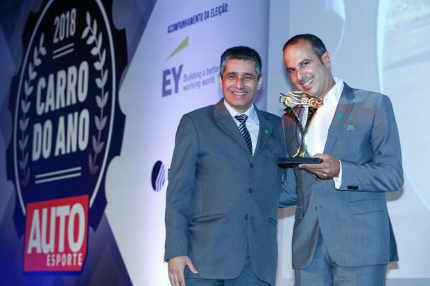 Marcus Vinícius Gasques e Roberto Braun, diretor de relações governamentais da Audi (Foto: Ricardo Cardoso)