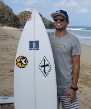 Alex Ribeiro Fernando de Noronha surfe (Foto: David Abramvezt)
