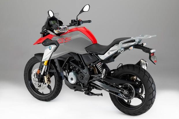 O objetivo da moto de uso-misto é enfrentar desafios leves no fora de estrada (Foto: Divulgação)