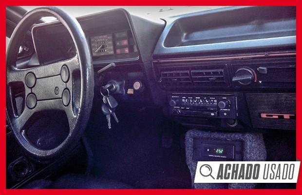 No interior, volante e detalhes da versão GT também seguem a originalidade  (Foto: Reprodução)