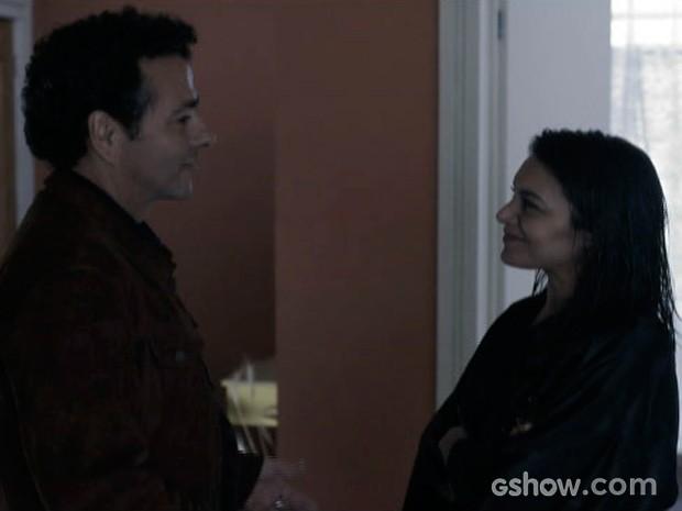 edroso convence Rosa a entrar em sua equipe de investigação (Foto: O Rebu / TV Globo)