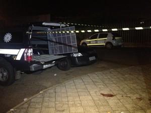 Policial civil foi morto em frente ao Hospital de Alvorada (Foto: Luciane Kohlmann/RBS TV)