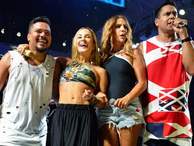 Bruno Cardoso, Claudia Leitte, Ivete Sangalo e Xanddy em show em Salvador, na Bahia (Foto: André Muzell/ Brazil News)