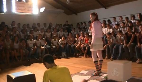 A  semana do teatro visa aproximar o público das produções artísticas  (Foto: Amazônia TV)