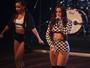 Anitta deixa parte da barriga de fora em show em São Paulo