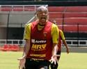 Gabriel diz que Sport deverá marcar o Santa Cruz desde o setor ofensivo