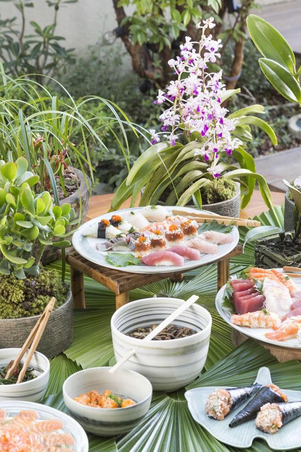 Como servir comida japonesa em casa casa vogue vamos for Servir comida