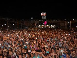 Cantor Gusttavo Lima durante apresentação em Ariquemes, RO (Foto: Jeferson Carlos/G1)