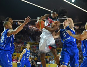 Finlândia X EUA (Foto: Divulgação/FIBA)