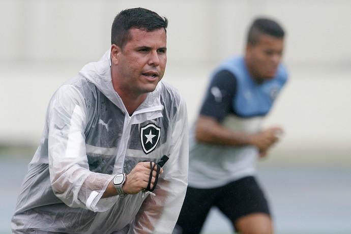 Fellipe Capella, treino Botafogo, Engenhão (Foto: Vitor Silva / SSPress)