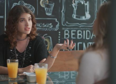 Samantha dá força para Clara investir em Guto