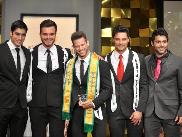 Reinaldo Dalcin, na noite de sábado (5), venceu o concurso de Mister Brasil (Foto: Estúdio XIS/Divulgação)