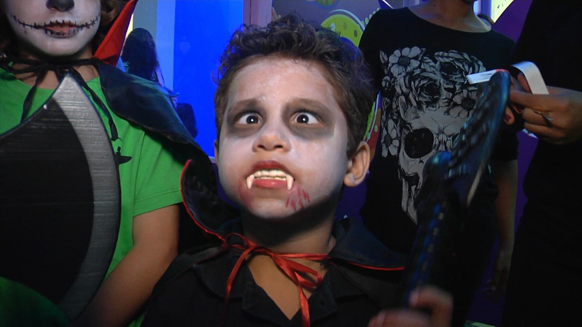 Crianças se fantasiam de monstros no Halloween (Foto: Divulgação)