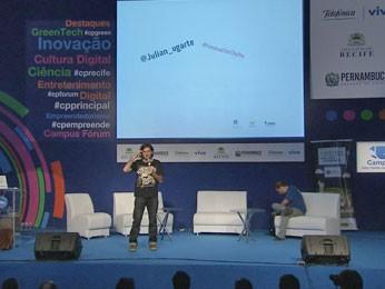 """Julián Ugarte, fundador e diretor do Centro de Inovação do """"Teto"""" (Foto: Reprodução/TV Globo)"""
