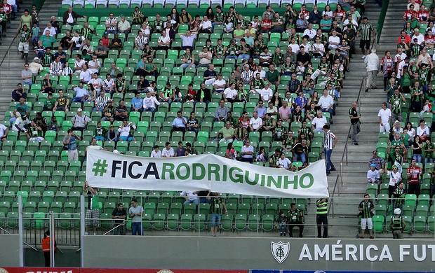 faixa rodriguinho América-MG e América-rn (Foto: Rafael Araújo)