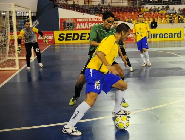 César Paulo defendeu a seleção brasileira em 2010, no Grand Prix (Foto: Cristiano Borges/CBFS)