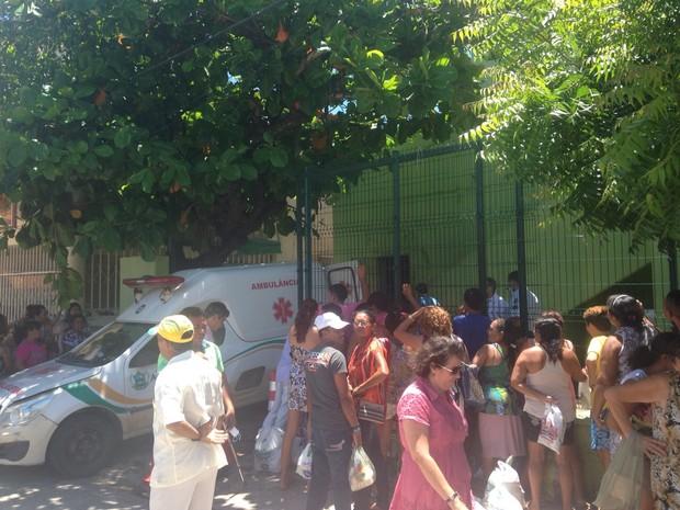 Familiares foram impedidos de visitar os detentos neste domingo (Foto: Gisleine Carneiro/TV Verdes Mares)