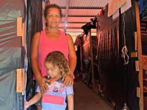 Famílias atingidas pela cheia do Rio Acre retornam para casa (Foto: Caio Fulgêncio/G1)