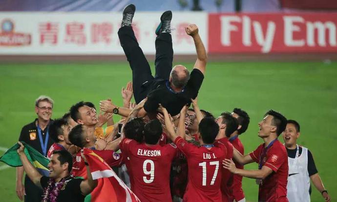 Felipão Scolari campeão Guangzhou Evergrande x Al Ahli (Foto: Divulgação)