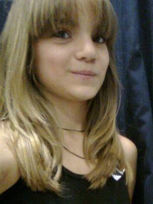 Isadora Faber, aluna de 13 anos que criou uma página para divulgar os problemas de sua escola e mobilizou a internet (Foto: Reprodução Internet)