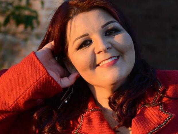 Elizabeth Zamperlini, de 37 anos, é cabeleireira (Foto: Divulgação)