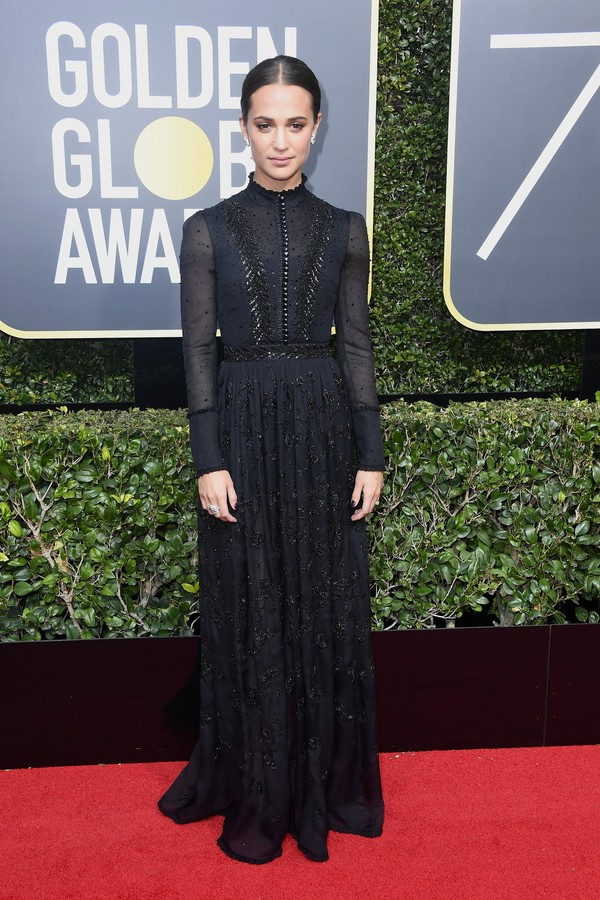 BEVERLY HILLS, CA - JANUARY 07:  Alicia Vikander attends The 75th Annual Golden Globe Awards at The Beverly Hilton Hotel on January 7, 2018 in Beverly Hills, California.  (Photo by Frazer Harrison/Getty Images) (Foto: Getty Images)