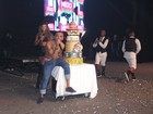 Nego do Borel comemora aniversário cantando com Valesca Popozuda e Mc Ludmilla