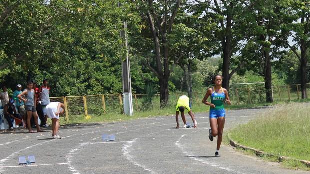 Pista de atletismo da UESPI (Foto: Flávio Meireles)