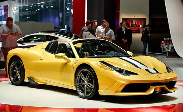Ferrari 458 Speciale A no Salão de Paris (Foto: Newspress)