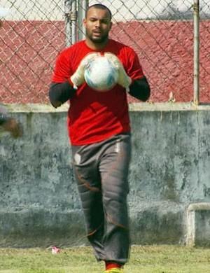 Goleiro Flávio Muranga continua na equipe (Foto: Tarciso Silva / EPTV)